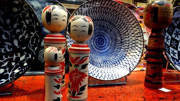 Champa Paris - Vaisselle et Poupée Kokeshi traditionnelle japonaise