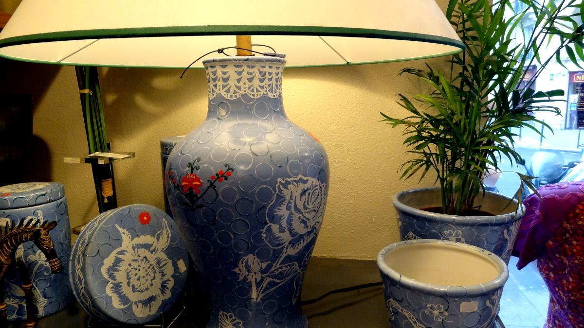 Champa Paris - Décoration - Lampes et céramiques bleus.